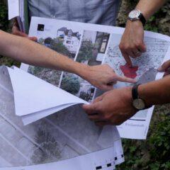 Emilienbrunnen  dezent versetzen und verschmälern