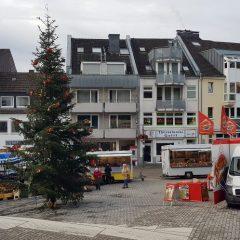 """""""Schräglage"""" – Wochenmarkt Bensberg"""
